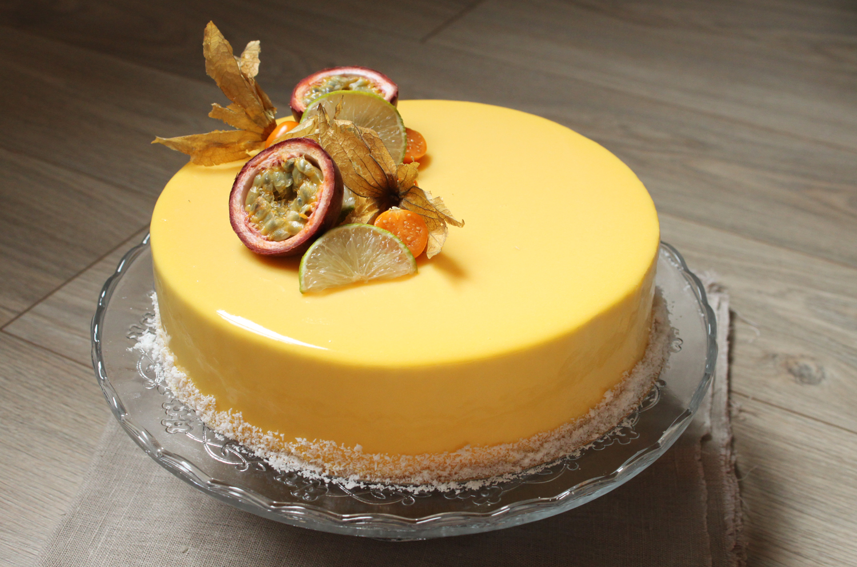 Gateau mousse vanille insert framboise